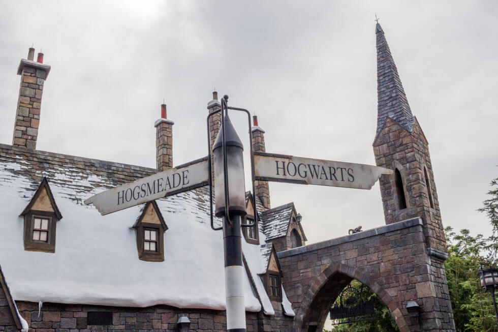Can You Answer These 25 Harry Potter Questions Correctly? - image Hogsmeade-and-Hogwarts-Visiting-Harry-Potter-World-Orlando1-980x653 on https://potterhood.com